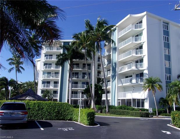 1300 Gulf Shore Blvd N 500, Naples, FL 34102