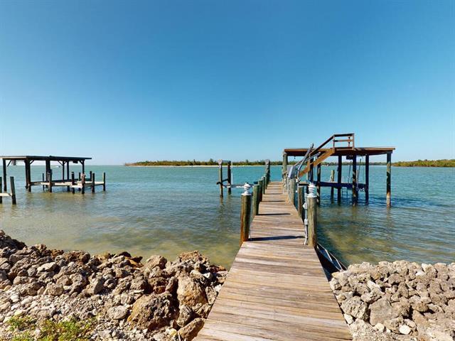 34 Dolphin Cir, Naples, FL 34113