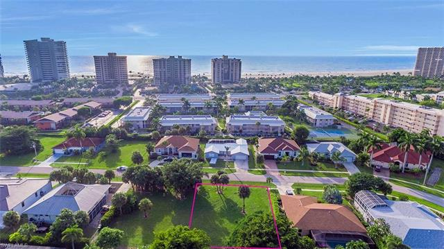 117 Flamingo Cir, Marco Island, FL 34145