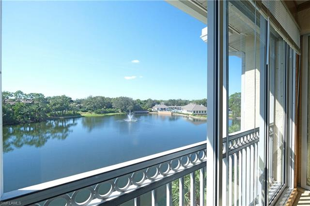 740 Waterford Dr 402, Naples, FL 34113