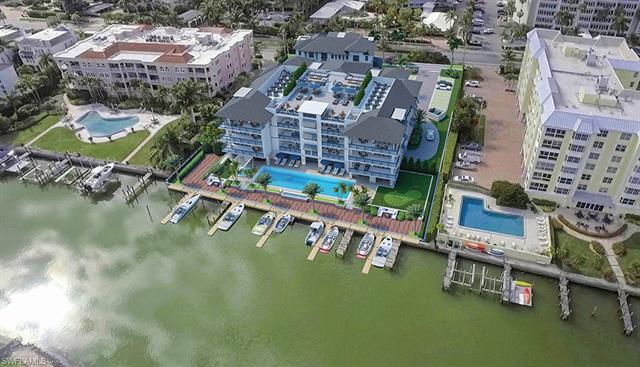 1820 Gulf Shore Blvd N 205, Naples, FL 34102