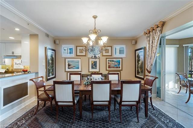 720 Waterford Dr 201, Naples, FL 34113