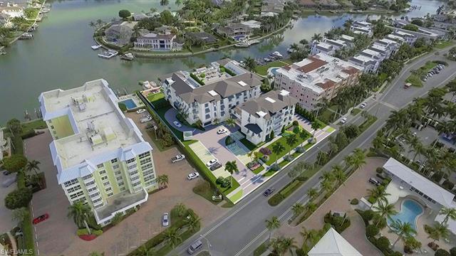1820 Gulf Shore Blvd N 301, Naples, FL 34102