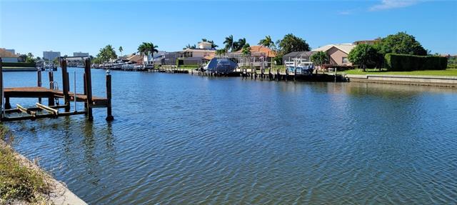 978 Hunt Ct, Marco Island, FL 34145