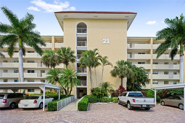 21 High Point Cir E 308, Naples, FL 34103