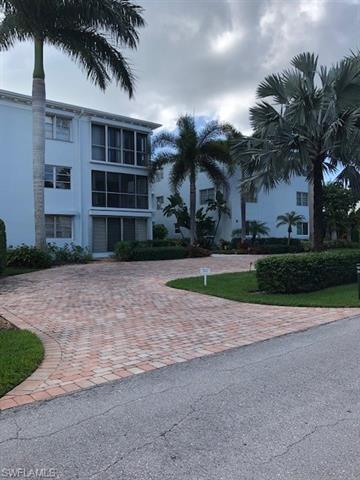 280 2nd Ave S 204, Naples, FL 34102