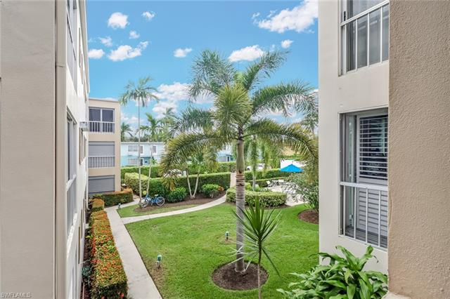 250 7th Ave S 204, Naples, FL 34102