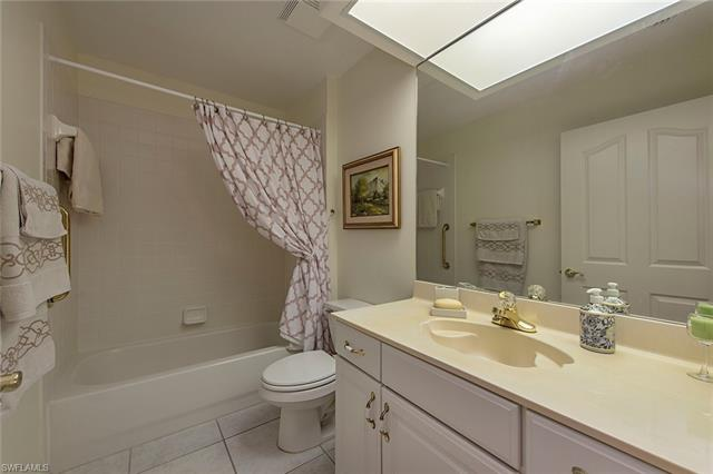 6240 Reserve Cir 802, Naples, FL 34119
