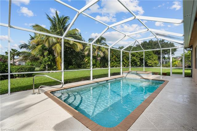 787 Waterloo Ct, Naples, FL 34120
