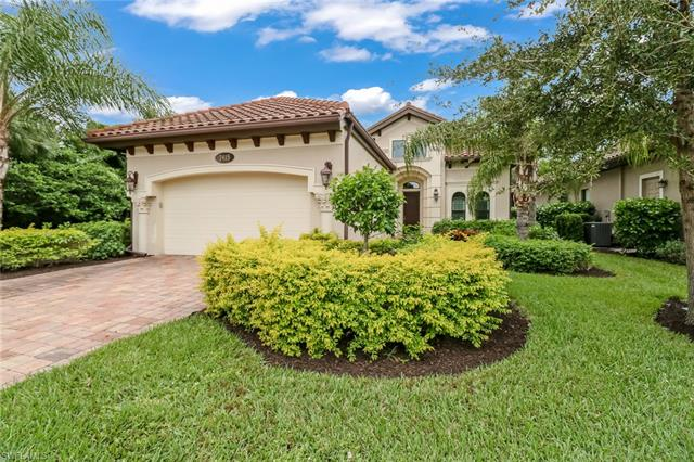 7415 Lantana Cir, Naples, FL 34119