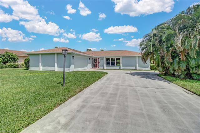 4449 Beechwood Lake Dr, Naples, FL 34112