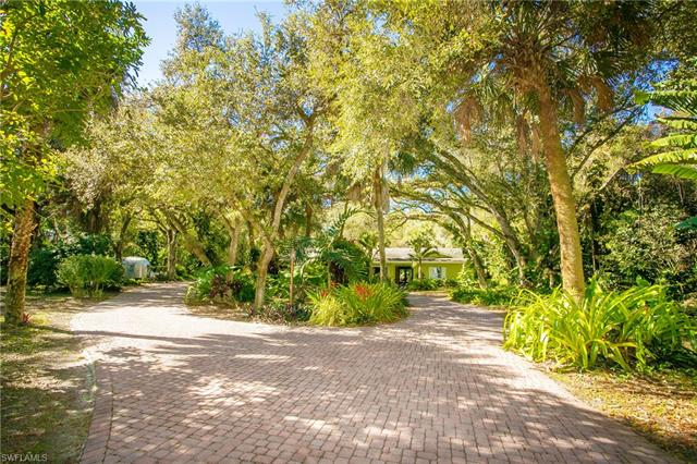 2735 68th St Sw, Naples, FL 34105
