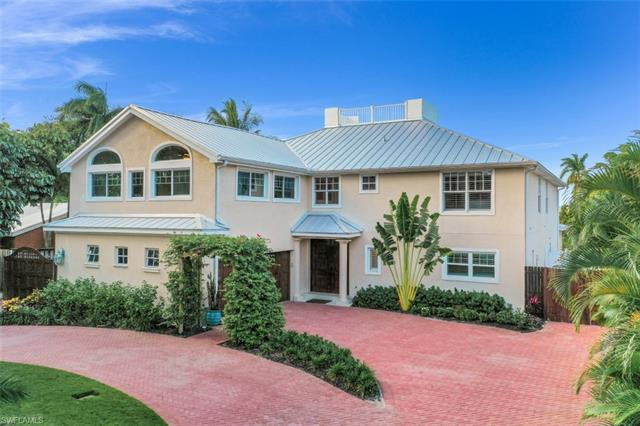 1243 12th Ave N, Naples, FL 34102