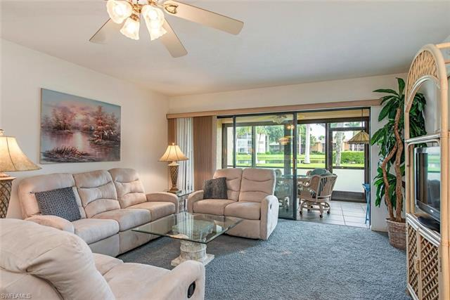 960 Palm View Dr 110, Naples, FL 34110
