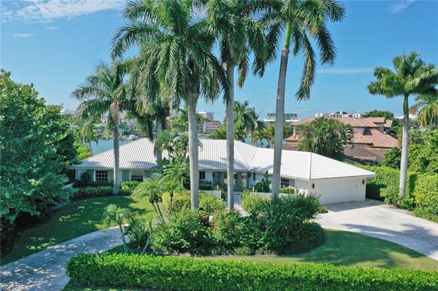3103 Leeward Ln, Naples, FL 34103
