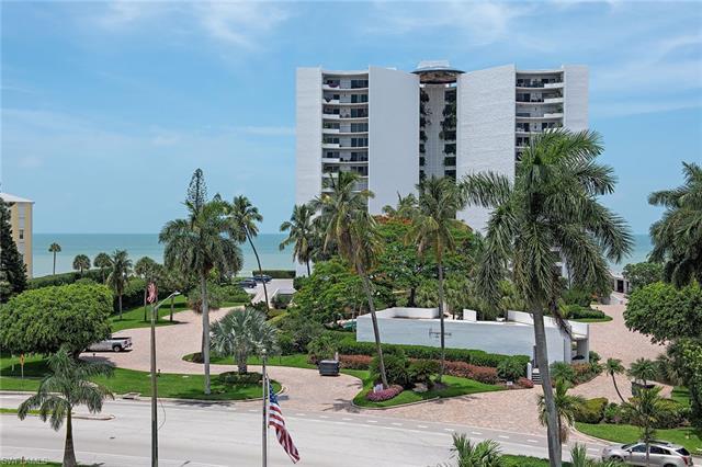 3951 Gulf Shore Blvd N 1005, Naples, FL 34103