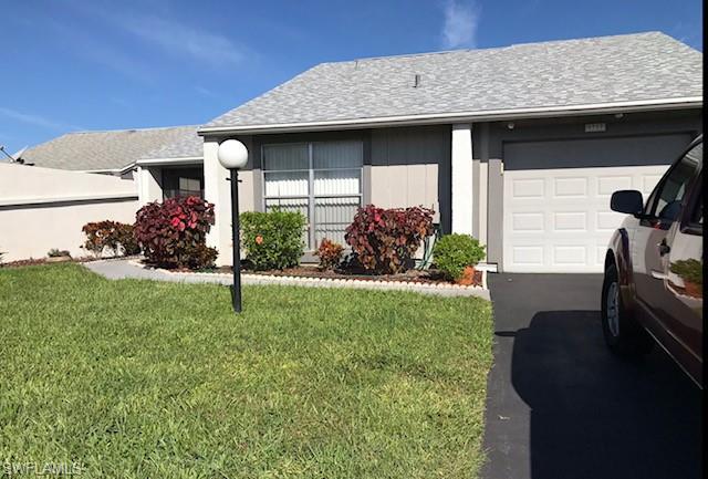 9717 Maplecrest Cir, Lehigh Acres, FL 33936