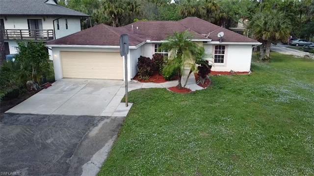 671 12th Ave Ne, Naples, FL 34120