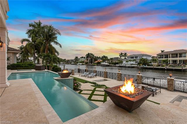 233 Mermaids Bight, Naples, FL 34103
