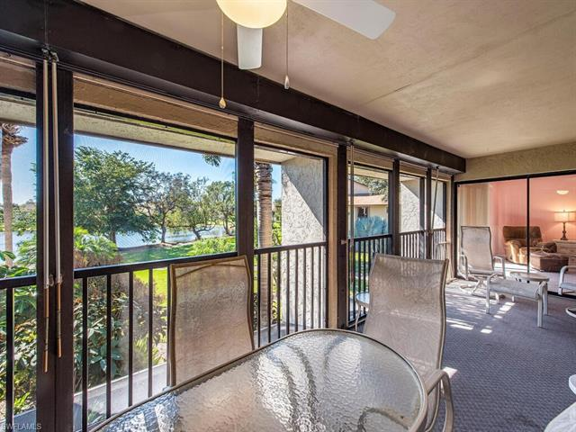 528 Retreat Dr 1-204, Naples, FL 34110
