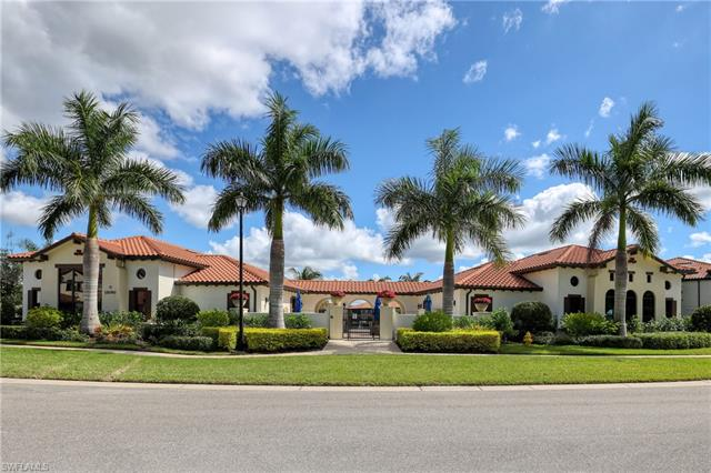 15126 Palmer Lake Cir 204, Naples, FL 34109