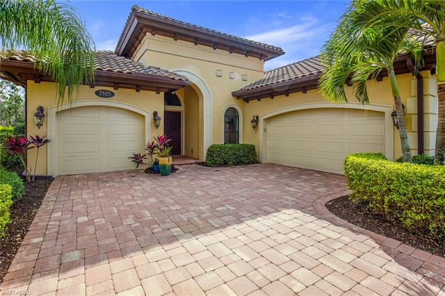 7505 Lantana Cir, Naples, FL 34119