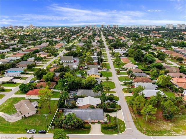 796 B 108th Ave N, Naples, FL 34108
