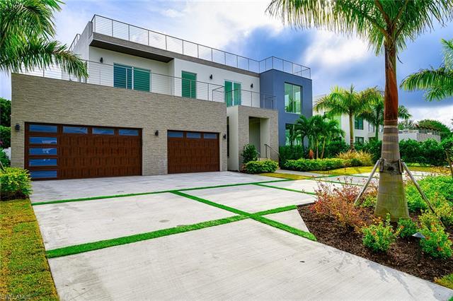 3868 Crayton Rd, Naples, FL 34103
