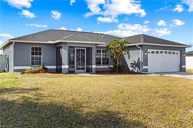 636 6th Ave, Cape Coral, FL 33909