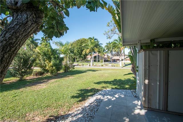 27358/360 Poinciana Dr, Bonita Springs, FL 34135