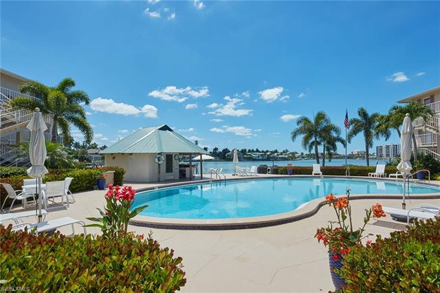 322 Harbour Dr 103a, Naples, FL 34103