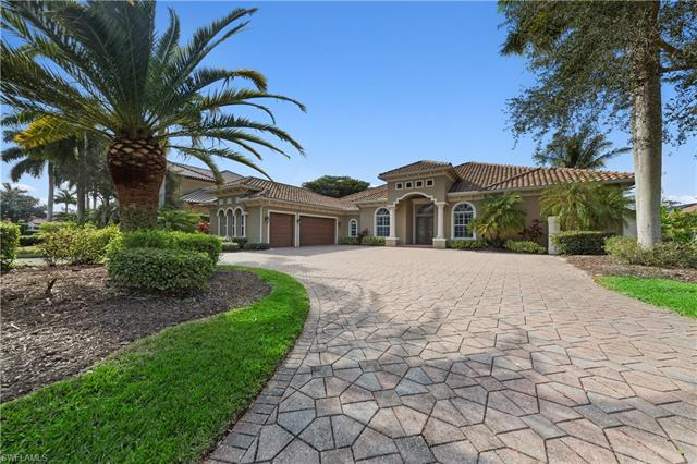 7607 Palmer Ct, Naples, FL 34113