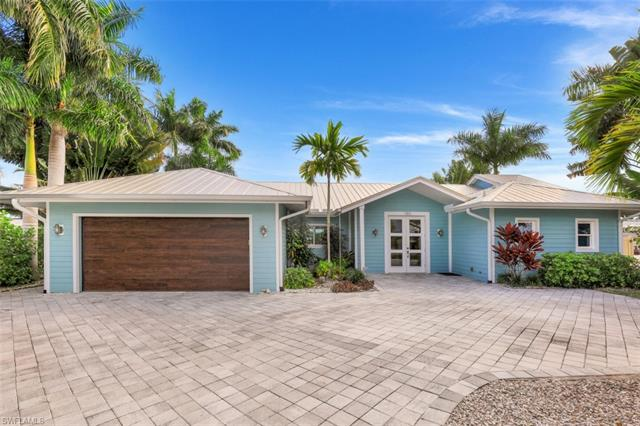 180 Channel Dr, Naples, FL 34108