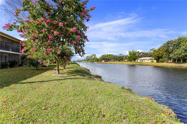 1211 Commonwealth Cir C-104, Naples, FL 34116