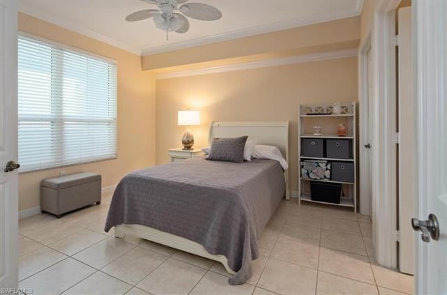 325 Dunes Blvd 602, Naples, FL 34110