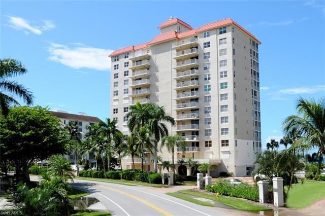 10691 Gulf Shore Dr 1102, Naples, FL 34108
