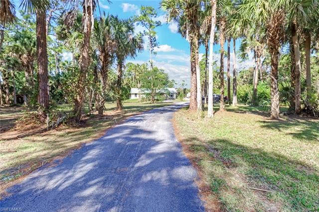 711 14th Ave Nw, Naples, FL 34120