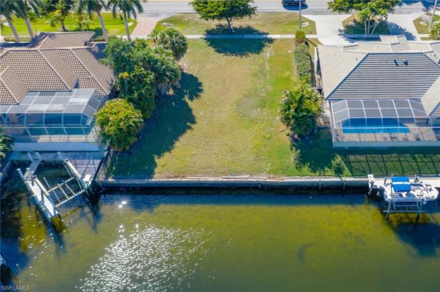 886 San Marco Rd, Marco Island, FL 34145