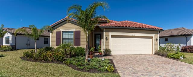1574 Santiago Cir, Naples, FL 34113