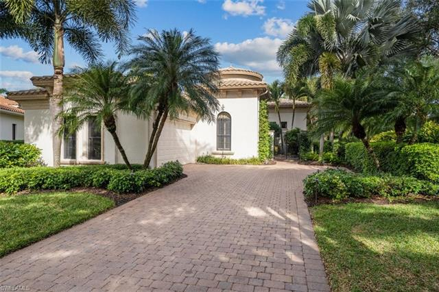 18302 Lagos Way, Naples, FL 34110