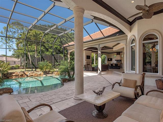 215 Caribbean Rd, Naples, FL 34108