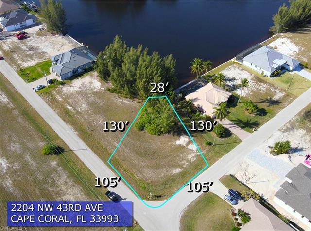 2204 43rd Ave, Cape Coral, FL 33993