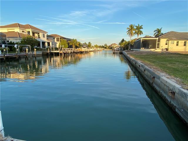 551 Shalimar St, Marco Island, FL 34145
