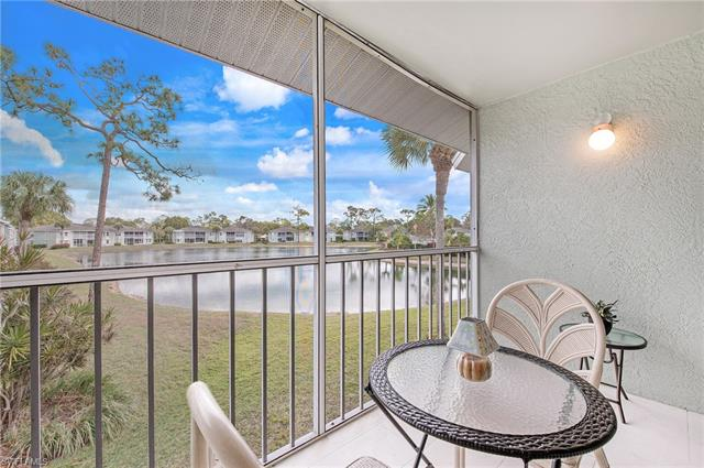845 New Waterford Dr Q-202, Naples, FL 34104