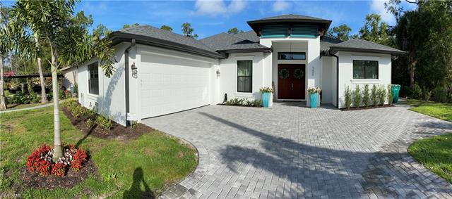 5025 Hickory Wood Dr, Naples, FL 34119