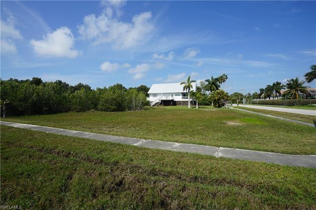 - Balmoral Ct, Marco Island, FL 34145