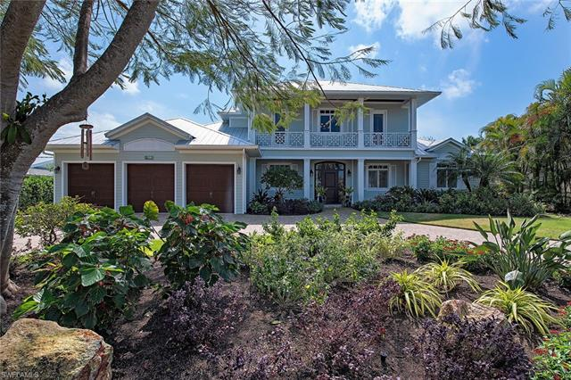 738 Golf Dr S, Naples, FL 34102