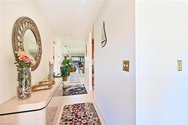 244 Pebble Beach Cir B204, Naples, FL 34113