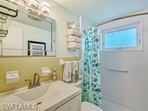 546 4th Ave S 7, Naples, FL 34102