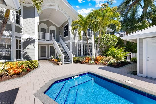 231 2nd Ave S 202, Naples, FL 34102